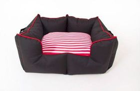 Wagworld - Large K9 Castle Dog Bed - Black & Red
