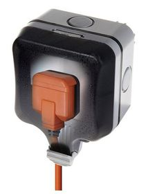 Stingray - IP66 Single SA socket - Black & Orange 16amp