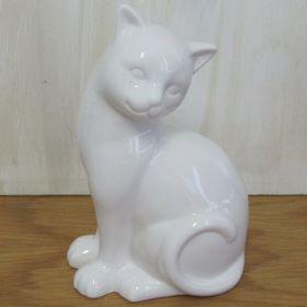 Pamper Hamper - Ceramic Sitting Cat - White