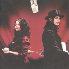 The White Stripes - Get Behind Me Satan (CD)