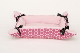 Wagworld - Midi Cupcake Dog Bed - Pink Polka Dot