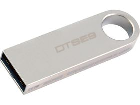 Kingston DataTraveler SE9 - 8GB Flash Drive