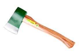 Lasher Tools - 900g Wooden Handle Axe