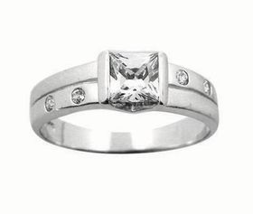 Miss Jewels- 0.69ctw Engagement Ring with Satin Finish in 925 Sterling Silver