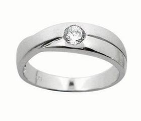Miss Jewels- 0.10ctw Cross Over Wedding Band in 925 Sterling Silver