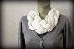 Vine Accessories Plaited Crochet Scarf - White