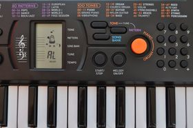 Casio Mini Keyboard (SA-78H2)
