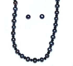 Classic navy blue fresh water pearl necklace - 45cm