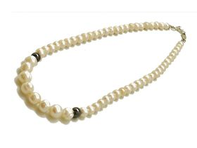 White fresh water pearl necklace - 45cm