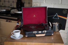 Jivo Elyxr Revolution Vinyl Player - Black & Burgundy