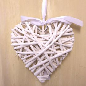 Pamper Hamper - Small Wicker Heart - White