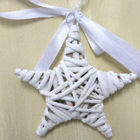 Pamper Hamper - Small Wicker Star - White