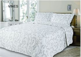 Simon Baker - Quilted and Printed Vines Comforter Set