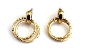 On Fleek Ladies Gold Twin Hoop Earring