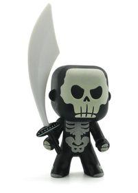 """Djeco Arty Toys - Knight """"Skully"""" (Glow In The Dark)"""