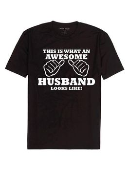 This Is What An Awesome Husband Looks Like  T-Shirt - Black