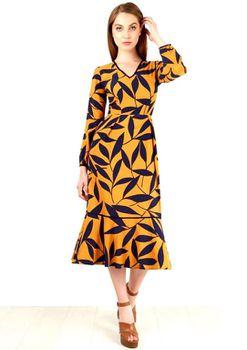 Closet London - Navy Floral Cuff Sleeve V-Neck Midi Dress