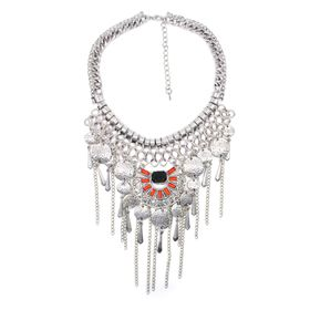 Lily&Rose Silver Plated Bohemian Style Neckpiece Wih Round Beaten Disks & Set With Emerald Shape
