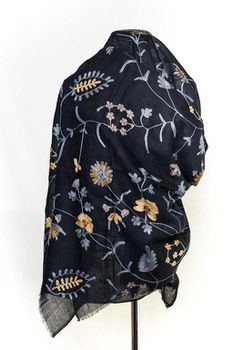Latiant Black Embroidery Scarf