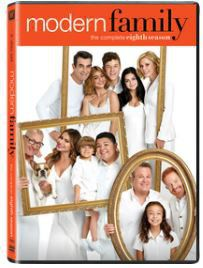 Modern Family Season 8 (DVD)