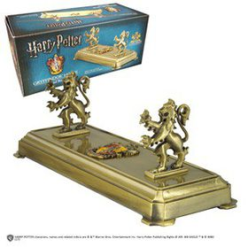 Harry Potter: Gryffindor Wand Stand (Parallel Import)