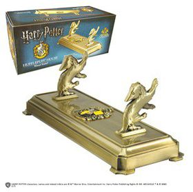 Harry Potter: Hufflepuff Wand Stand (Parallel Import)