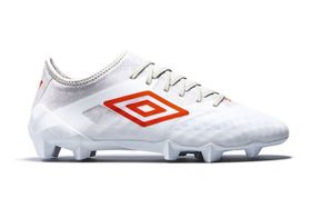 Umbro Men's Velocita 3 Soccer Boots - White