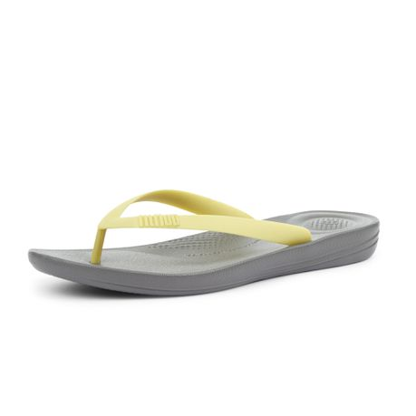 3b2cc293538a1 FitFlop Men s iQushion Flip Flops - Slate Grey